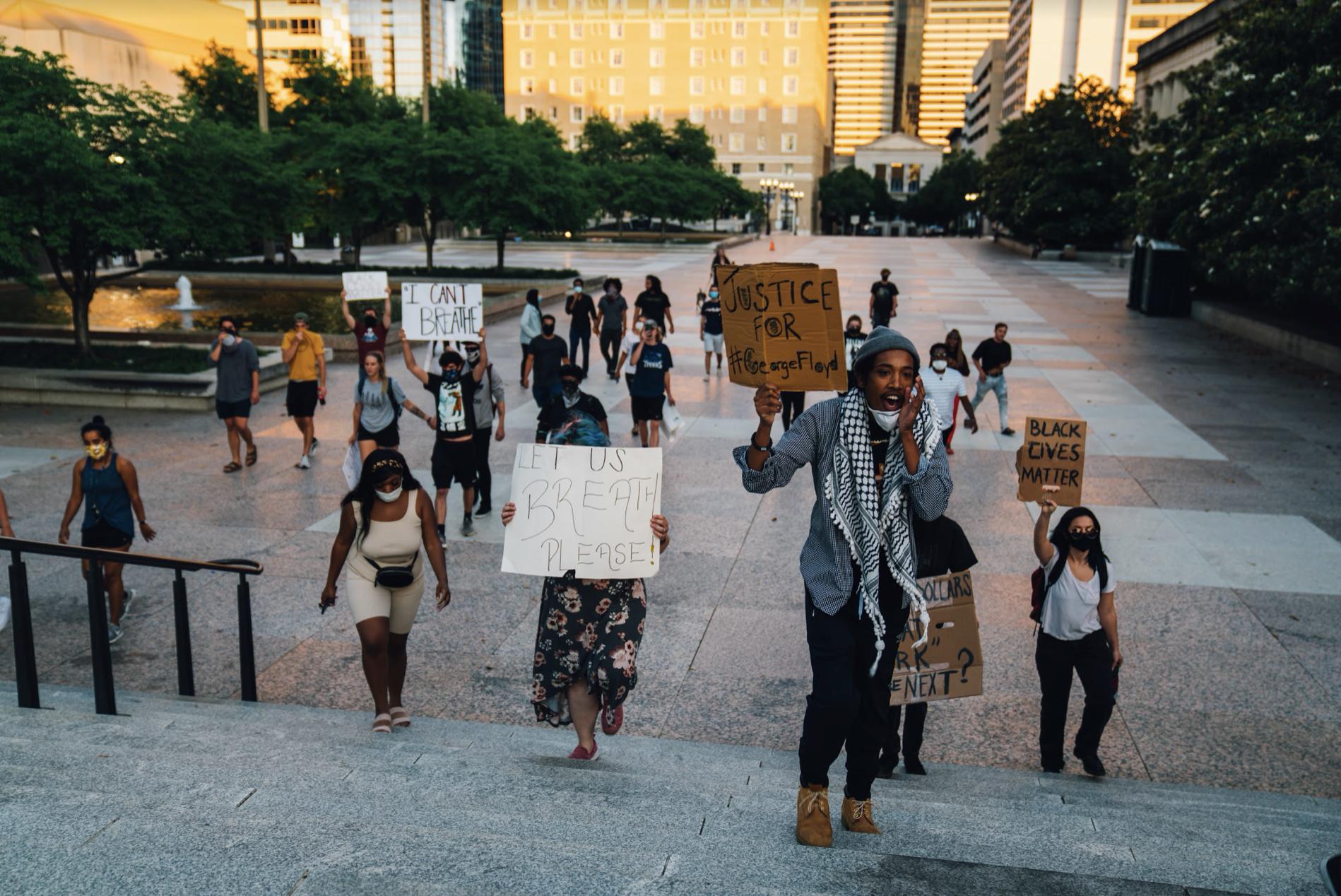 Nashville, Tenn., May 31- Activist Justin Jones leads a group across Legislative Plaza to the State Capitol Sunday. (Photo: Alex Kent)