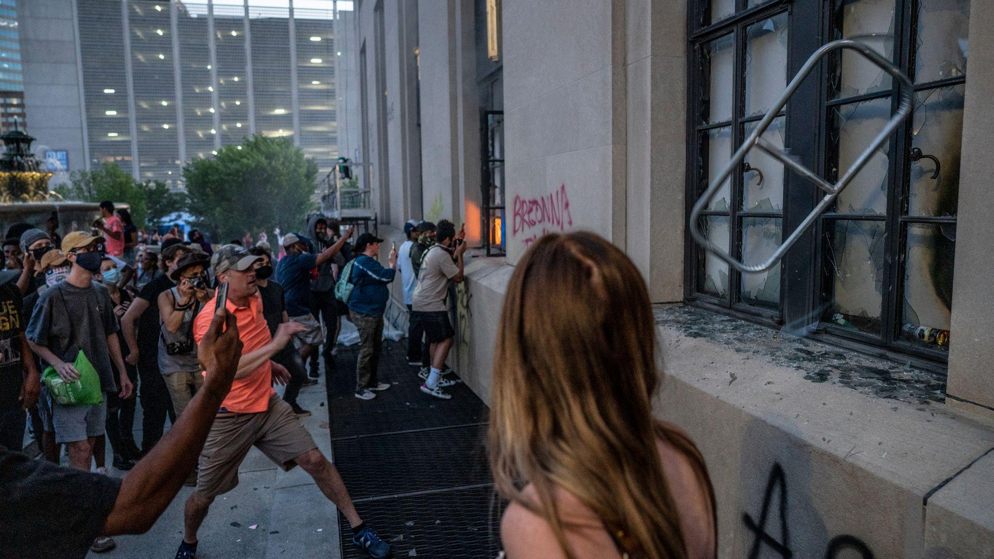 Nashville, Tenn., May 30 - Photojournalist John Partipilo captures the moment an object breaks a window at the Historic Metro Nashville Courthouse. (Photo: John Partipilo)