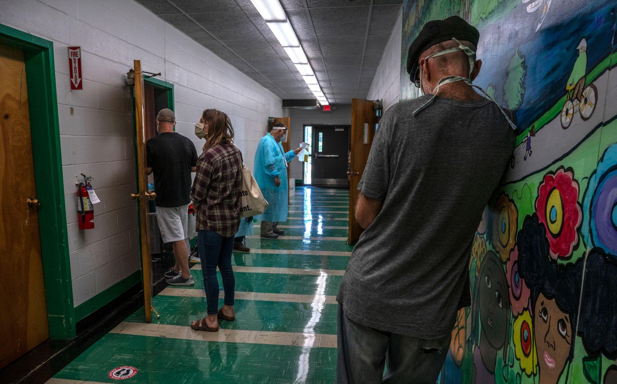 A line of voters at East Park Community Center, Nashville. (Photo: John Partipilo)