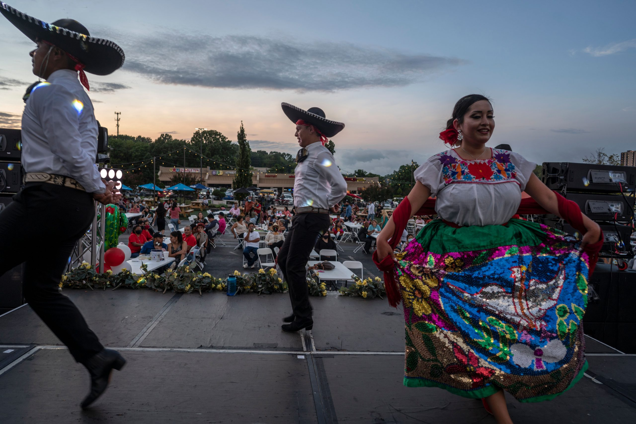 Members of Ballet Folklorico Sol de Mexico perform on the outdoor stage Mexican independence day at Plaza Mariachi.(Photo: John Partipilo)