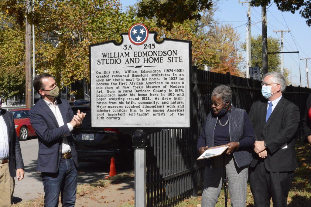 State Rep. John Ray Clemmons, D-Nashville, Mary Coplen, William Edmonson's grand-niece, and Mayor John Cooper on Nov. 7 unveiling.