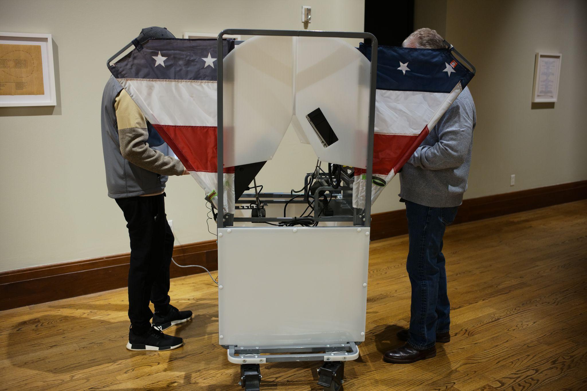 Casting votes, Nov. 3, 2020. (Photo: Ray Di Pietro)