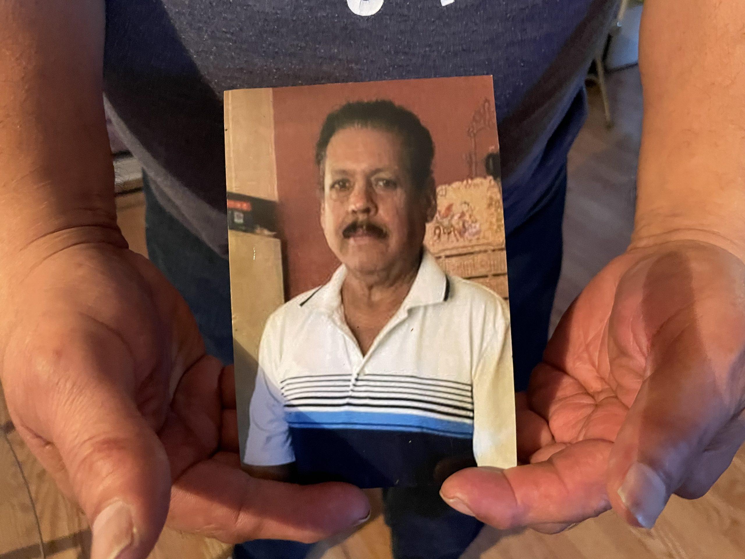 El Estado de Tennessee investigará nuevas acusaciones contra un director de funerarias que continúa explotando a la familias inmigrantes