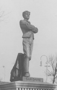 Statue of Sam Davis on the grounds of the Tennessee Capitol. (Photo: Tennessee Secretary of State)