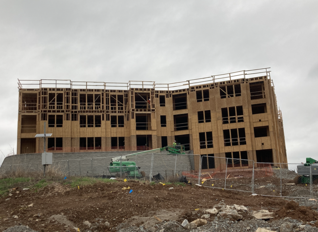 An apartment building under construction on McEwen Drive in Franklin. (Photo: staff)