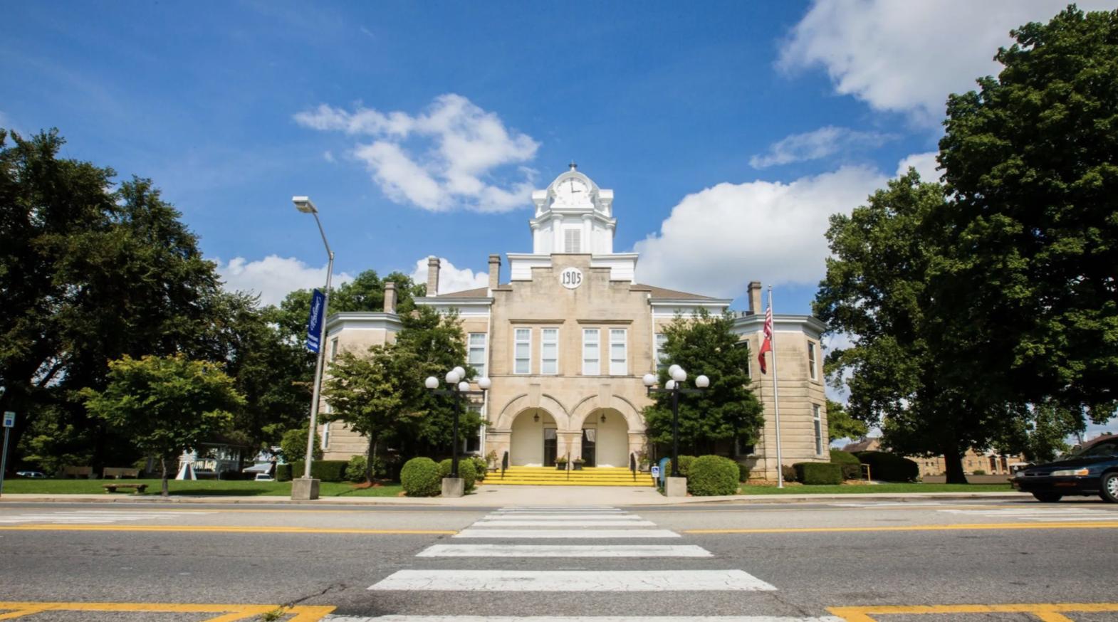 Cumberland County Courthouse (Photo: cumberlandcountytn.gov)