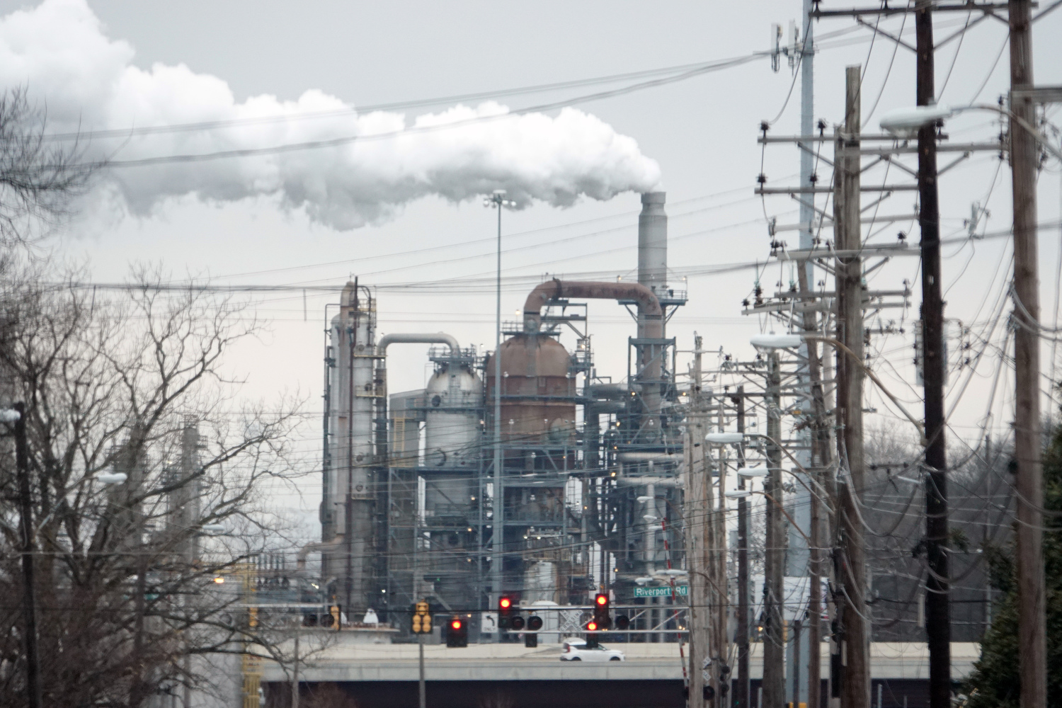 The proposed pipeline, has been the subject of controversy since 2019. The joint venture project would build a 49-mile pipeline between Memphis and Mississippi and would run through several Black communities in Memphis. VALERO Memphis Refinery (PICTURED) is located on along the Mississippi River's Lake McKellar in South Memphis. (Photo by Karen Pulfer Focht)