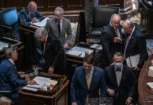Members of the Tennessee General Assembly on the floor of the House of Representatives. (Photo: John Partipilo)