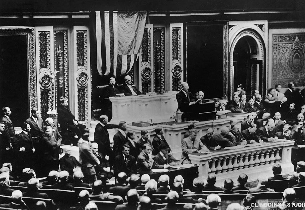 American president Woodrow Wilson (1856 - 1924) gives a speech to Congress, Washington DC, 4th December 1917. (Photo by FPG/Hulton Archive/Getty Images)